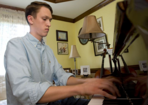 What's the Best Way to Learn Piano on your Own? We'll give